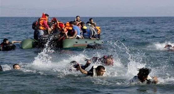 انقاد 80 مهاجرا سريا  بينهم امرأة أبحروا من السواحل الشمالية للمملكة