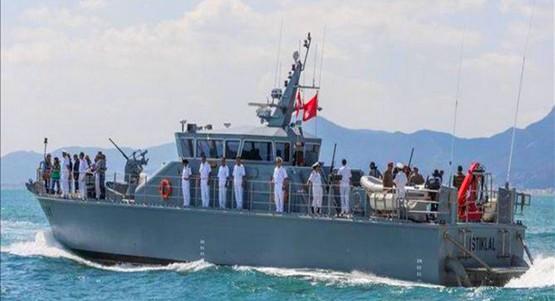 بين العرائش وأصيلة.. البحرية الملكية تطلق النار على قارب للمهاجرين وتصيب قاصرا
