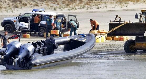 السلطات الإسبانية تحجز خمسة أطنان من الحشيش قادمة من شمال المغرب