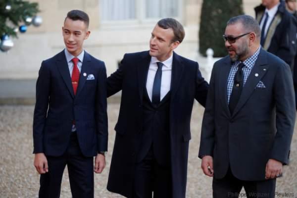 ماكرون يستقبل الملك محمد السادس وولي العهد بقصر الإيليزي
