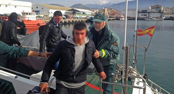 الأمن الإسباني يعتقل 4 مهاجرين مغاربة حاولوا الوصول إلى سبتة على متن قارب