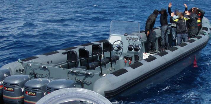 """البحرية الملكية تحجز أزيد من 300 كيلوغرام من """"الشيرا"""" على متن قارب سريع في البحر الأبيض المتوسط"""