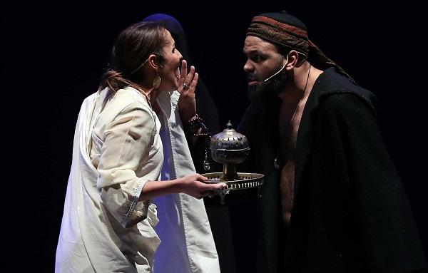"""المهرجان الوطني للمسرح بتطوان.. مسرحية """"العلوة"""" تستحضر الموروث الثقافي لفن """"العيطة"""""""