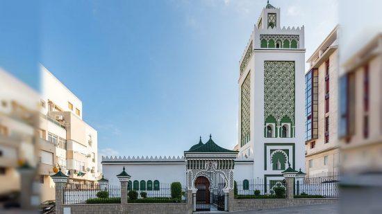 """المغرب """"يعترف"""" بتمويل مساجد سبتة ومليلية..وهذه الرواتب التي يمنحها للأئمة والخطباء والمؤذنين"""