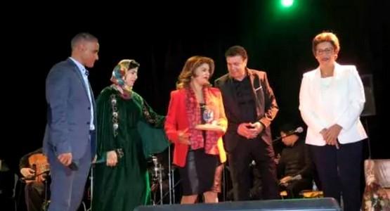 تكريم الفاعلة الجمعوية عائشة الكرجي بالمركز الثقافي بتطوان