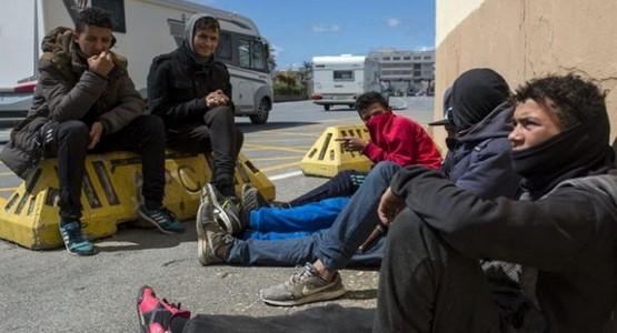"""""""مرصد الشمال"""" يندد بتجاهل الحكومة لمأساة القاصرين المغاربة بإسبانيا"""
