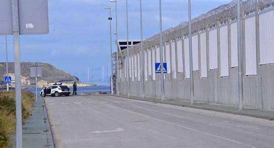 الحكومة الإسبانية تُمولُ جداراً عازلاً في مدينة سبتة بطول 4 أمتار