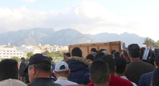 في موكب جنائزي مهيب … تشييع جنازة محسن أخريف بتطوان (صور)