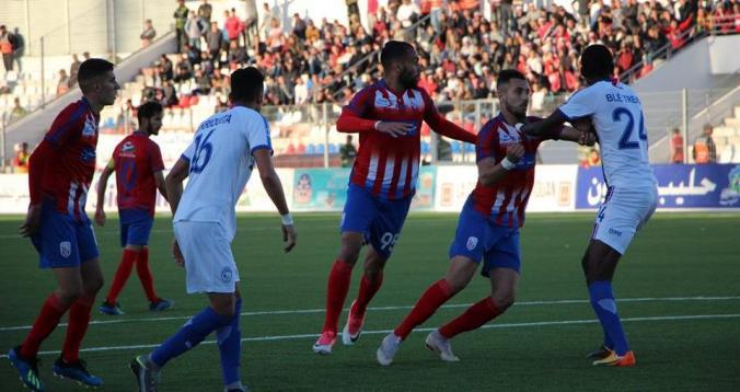 هشام التمسماني يقود مباراة المغرب التطواني ضد الفتح الرباطي