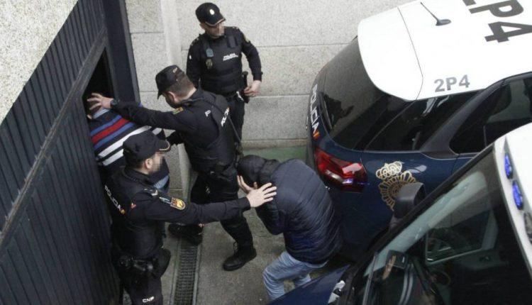 الاعتداء على الشرطة بباب سبتة يقود إثنين من ممتهني التهريب للاعتقال