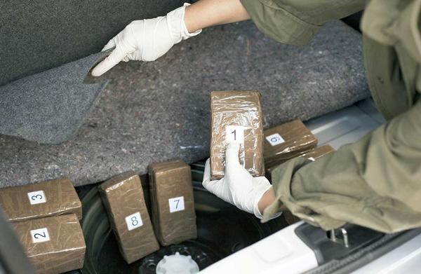 حجز 20 كلغ من مخدر الشيرا خلال عمليتين مترفقتين بمعبر باب سبتة