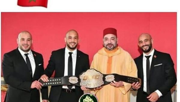 البطل العالمي أبو زعيتر يهب جماعة مرتيل سيارة إسعاف !