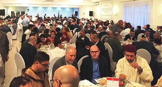 مائدة رمضانية تجمع مغاربة بسفير المملكة ببلجيكا