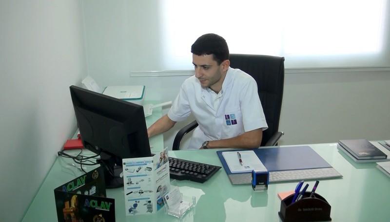 ادارة كنال تطوان تهنئ الدكتور إدريس السعود بمناسبة افتتاحه عيادة أمراض وجراحة الأذن والأنف والحنجرة بتطوان