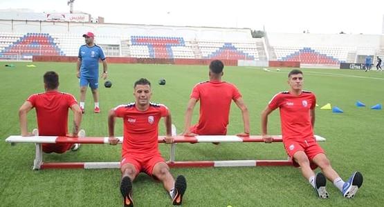 عموتة يستدعي ثلاثة لاعبين من المغرب  تطواني