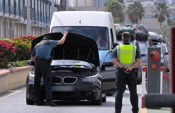 الحرس الاسباني يحبط محاولة تهريب سيارة مسروقة بسبتة تصل قيمتها لـ 100 مليون سنتيم