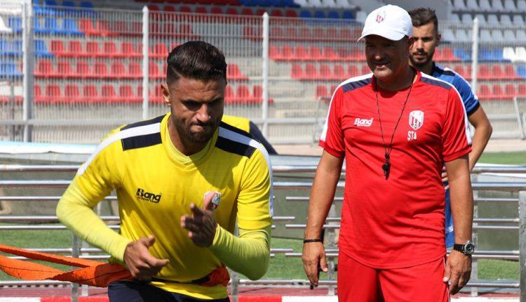 المدرب أنخيل فياديرو يمنح اللاعبين يومين راحة