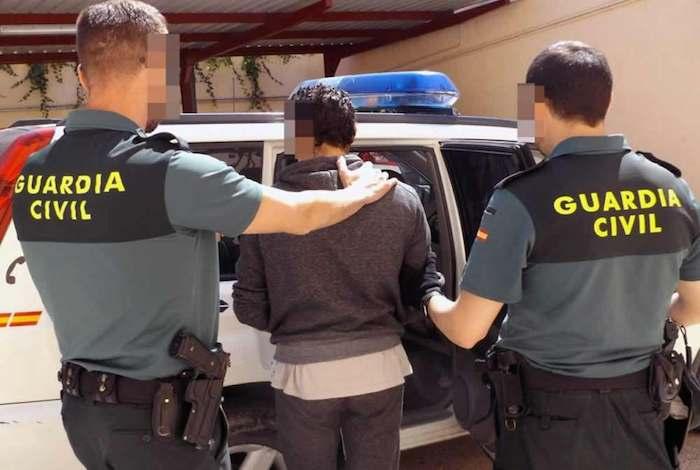 تأخير موعد انطلاق باخرة سبتة والجزيرة الخضراء بسبب مهاجر مغربي غير شرعي