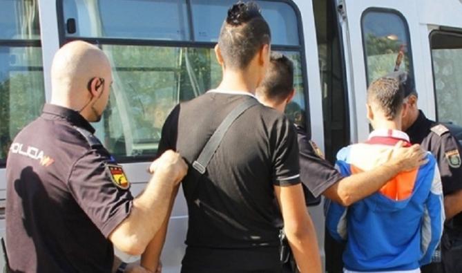 """إسبانيا تُطارد المهاجرين السريين المغاربة.. هل بدأ الرد على """"حصار"""" سبتة؟"""