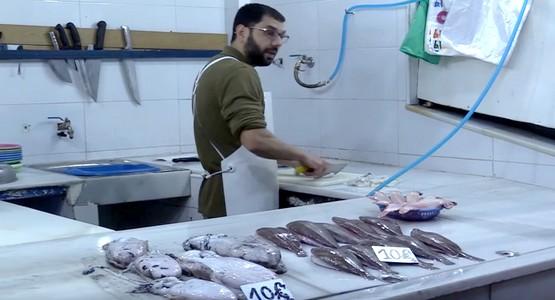 """شكاوى جديدة بسبب غياب """"سمك المغرب"""" عن أسواق سبتة المحتلة"""