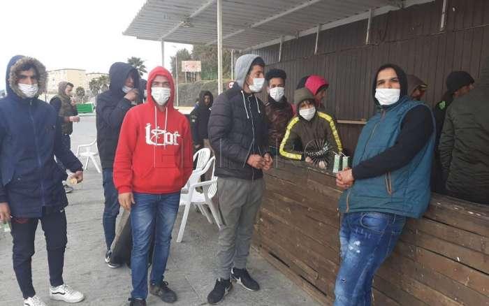 مغاربة عالقون في سبتة ومليلية المحتلتين يتطلعون للعودة إلى المغرب