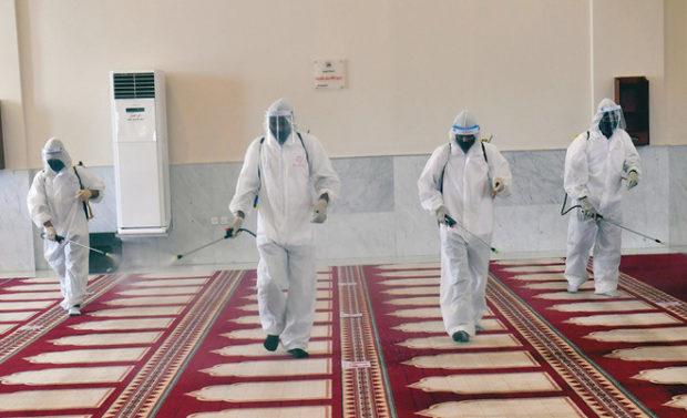 حقيقة اللجوء إلى محسنين لتوفير معدات والتعقيم بالمساجد