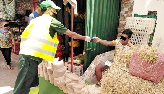تطوان .. عمال النظافة يقومون بحملة تحسيسية قبل عيد الأضحى