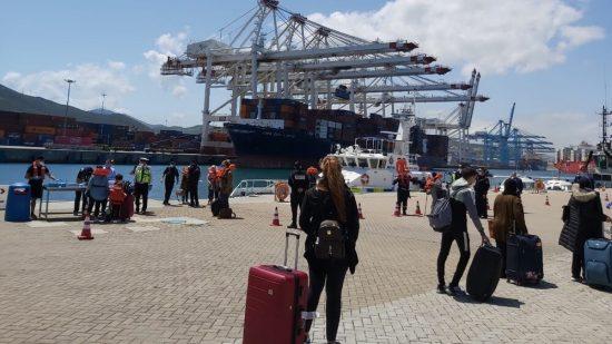إسبانيا تواصل إجلاء العالقين في المغرب