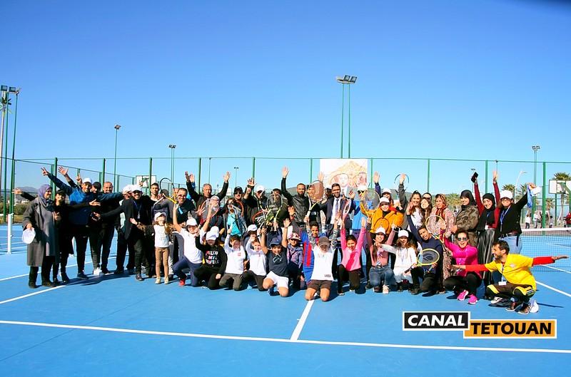 إقبال كبير على رياضة التنس بكورنيش مرتيل بفضل جمعية نادي مارتنس (شاهد الصور)
