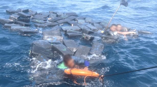 عشرة شباب مغاربة يهاجرون سباحة إلى سبتة المحتلة