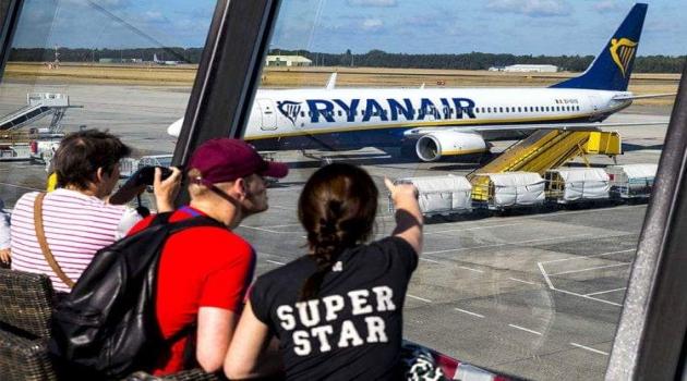 """شركة الطيران """"ريان إير"""" تستأنف أنشطتها في المغرب وتستثني مطار تطوان من خدماتهـا"""