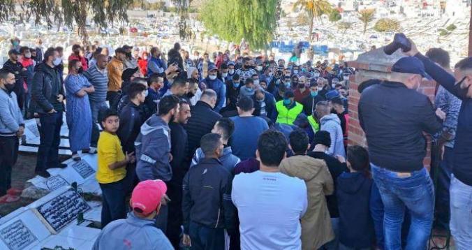 بالصور .. تطوان تودع اللاعب الدولي محمد أبرهون في جنازة مهيبة