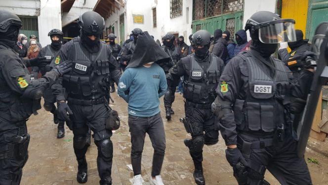 ألبوم صور لعملية تفكيك خلية إرهابية بمدينة تطوان