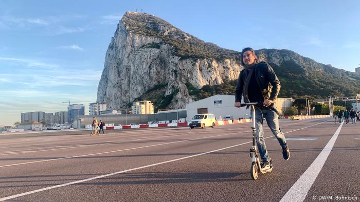 إسبانيا تعلن انضمام جبل طارق إلى منطقة شينغن