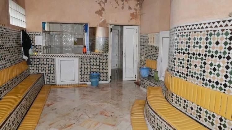 """إغلاق شامل للحمامات بالمغرب بسبب """"كورونا"""""""