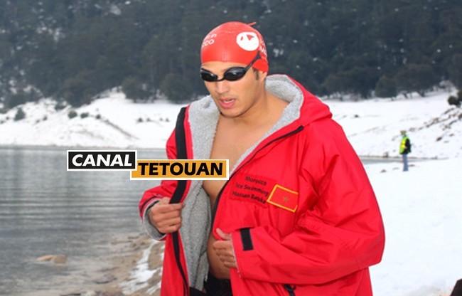 ابن مدينة تطوان حسن بركة يقطع 1600 متر سباحة في المياه الجليدية ويحطم رقمه القياسي