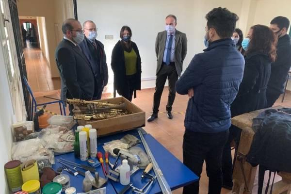 افتتاح ورشة لإصلاح الآلات الموسيقية بمدرسة الصنائع و الفنون بتطوان