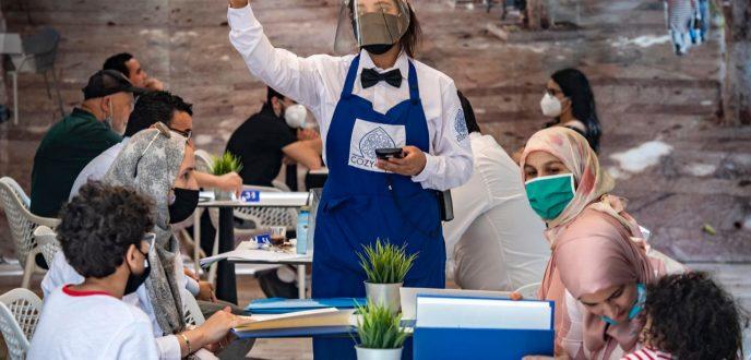 الشروع في صرف تعويضات العاملين في قطاع المطاعم