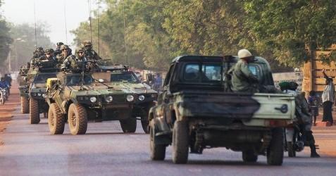 دعم غربي والأمين العام للأمم المتحدة بان كي مون يرحب بتدخل فرنسا بمالي