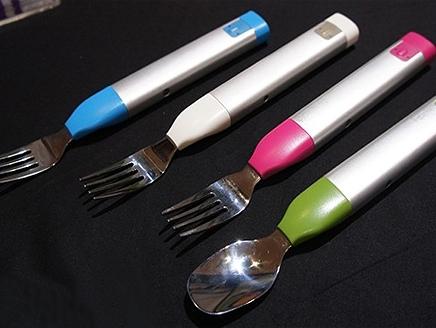 إختراع جديد ! شوكة مصممة خصيصا لضبط السلوك الغذائي !