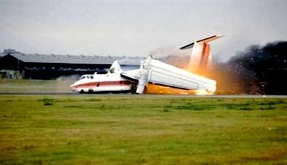مصرع 5 أشخاص إثر تحطم طائرة صغيرة في مطار شارلروا البلجيكي