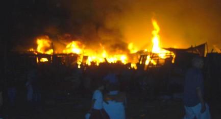 """حريق مهول في """"سوق الكلب"""" بسلا"""