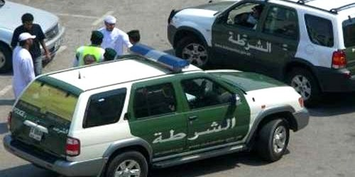 الشرطة الإماراتية تلقي القبض على اربعة شبان مغاربة في قضية سرقة و نهب