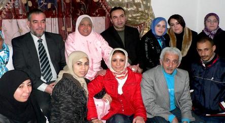 استقبال حافل لسامية التشتاش بعد عودتها معافاة إلى تطوان