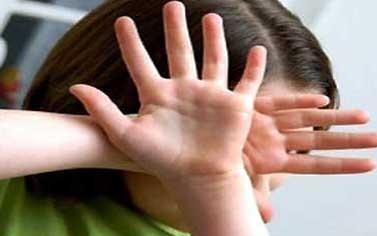 ملثمون يهاجمون فتاة بلفقيه بنصالح ويكبلون ايديها ويكممون فمها