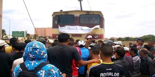 حوالي 120 طفلا عالقون بمحطة القطار أصيلة