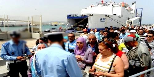 قرابة مئة ألف مهاجر يغادرون المغرب عبر مناء طنجة المتوسطي