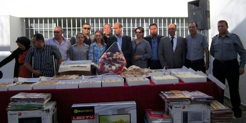 فرع المنظمة المغربية لحقوق الإنسان بتطوان يشارك نزيلات السجن المدني احتفالاتهن بعيد الأضحى