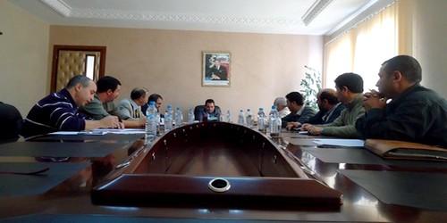 اجتماع الجماعة مع ممثلي الاتحاد العام للشغالين بتطوان حول تنظيم سيارات الأجرة