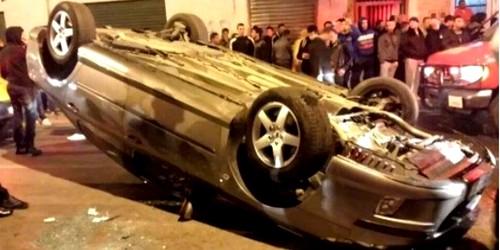 إنقلاب سيارة بيجو بشارع محمد الخراز بتطوان